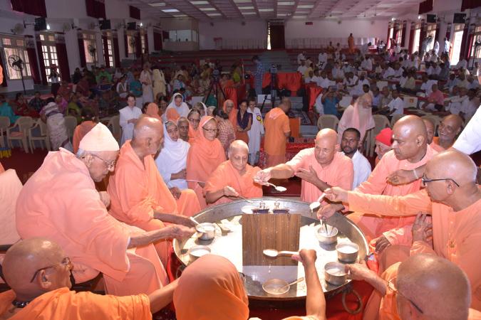 53SadhanaweekAradhana2016 (123)