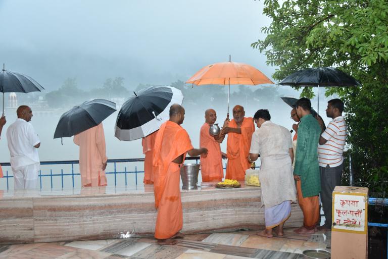 55tharadhana (100)